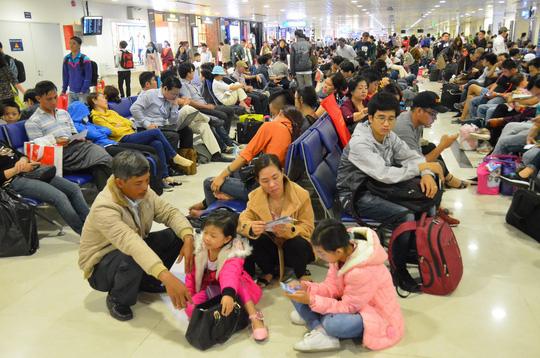 Khó tránh tăng giá vé máy bay